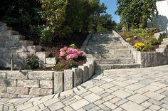 Via Vecia®-Stufen - Die Natürlichen. Mit dem rustikalen Charakter der Via Vecia-Produkte lassen sich traumhafte Anlagen im hochwertigen Landhausstil gestalten - und die nuancierten Farben der Steine bringen den unverwechselbaren Hauch von Natürlichkeit zur Geltung.