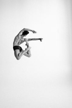 Fotografie: Darian Volkova - Ballett im Fokus Male Ballet Dancers, Ballet Boys, Ballet Photography, Photography Poses, Modern Dance Photography, Drawing Poses Male, Russian Ballet, Figure Poses, Dance Poses