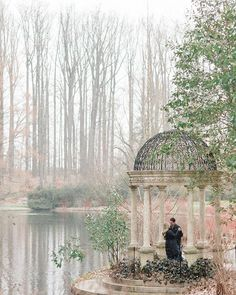 I guess all this crazy weather does look kind of pretty occasionally. Snow at engagement sessions? I'll never complain about that  | Longwood Gardens engagement session at @longwoodgardens | Procseed with @mastinlabs #schonphoto  Philadelphia Wedding Photographers Alex Schon Photography  www.alexschon.com
