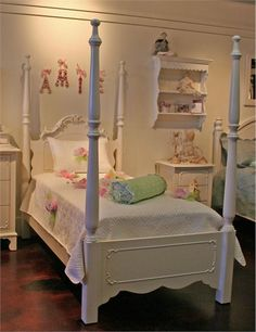 Wish your little one sweet dreams as you tuck her in to the Simply Elegant Bed. This four-post bed boasts intricate rose details and soft lines, making it perfect for any girl's bedroom
