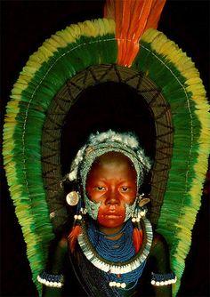 Cenas do dia-a-dia, c.1975.  Parque Indígena do Xingu, MT, Brasil. Foto: Maureen Bisilliat.