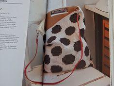 Koukutettu: Virkkuri 2 Crochet Tote, Bead Crochet, Crochet Stitches, Knitting Projects, Crochet Projects, Tapestry Crochet, Bead Weaving, Purses And Bags, Tricot