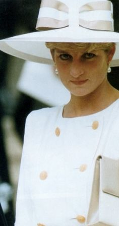 Diana looking gorgeous,but a hint of sadness shows in her face