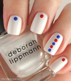 Minimalist Mod // Fourth of July // Nail Art