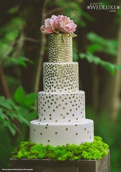 """WedLuxe: styled shoot designed by White Bow Events  inspired by """"The #Hobbit"""" - gold, polka-dot  #wedding #cake by Bobbette & Belle"""