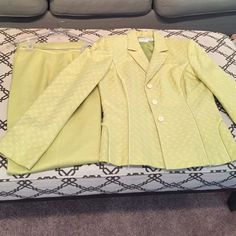 Lime Green Liz Claiborne worn once women's suit Lime green, worn once, great condition, Jacket and pants 55% Linen, 45% rayon, lining 100% Polyester Liz Claiborne Other