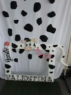 Sofía Cow Birthday Parties, Farm Animal Birthday, Second Birthday Ideas, Cowgirl Birthday, Cowgirl Party, Farm Birthday, 1st Birthday Girls, Barnyard Party, Farm Party