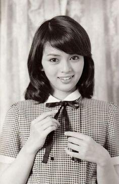 Japanese Actress Nana Okada. 日本女優-岡田奈々 (1959) 59才