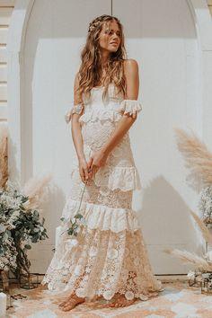 Boho Wedding Dress 2020 Off The Shoulder Floor Length Multilayer Lace Bridal Gowns Bohemian Wedding Dresses, Boho Bride, Boho Dress, Lace Dress, Bohemian Weddings, Dress Girl, Indian Weddings, Short Beach Dresses, Sexy Dresses