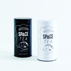 宇宙に思いをはせるティータイムを。  「SPACE TEA(スペースティー)」は 「宇宙」をコンセプトに作られた紅茶です。  宇宙飛行士が船外活動(宇宙遊泳)か