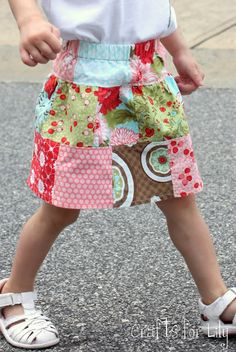 This skirt was fun to make because it started out as this charm pack of squares and turned into this A serger made this quick work (I w. Serger Projects, Sewing Projects, Sewing Ideas, Diy Projects, Toddler Skirt, Skirt Tutorial, Sewing Clothes, Crafts To Make, Girly