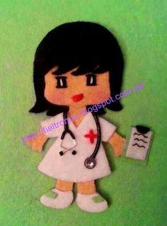 Broche de fieltro enfermera Felt Dolls, Paper Dolls, Doll Crafts, Sewing Crafts, Medical Clip Art, Felt Doll Patterns, Halloween Toys, Felt Diy, Felt Hearts