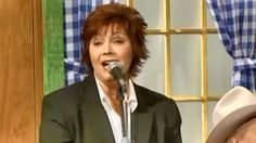 Dawn Sears - If you're gonna do me wrong do it right Gene Watson, Music Page, Bluegrass Music, Country Music Videos, Do It Right, Reiss, My Favorite Music, Funeral, My Music