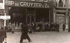 1944, Heuvelstraat. Distributie tijdens Tweede Wereldoorlog.