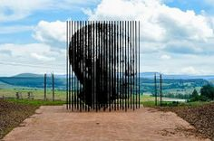 Almost a year. Monument that marks the capture site of Nelson Mandela in South Africa! Mandela Art, Nelson Mandela, Prison, French Artists, Public Art, Public Spaces, Portrait, Installation Art, Art Installations