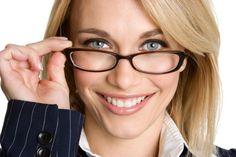 How to Choose Eyeglass Frames Based on Face Shape
