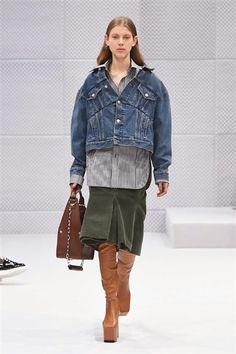 Balenciaga -Automne-Hiver 2016-2017  Veste en jean courte jupe kaki chemise longue grise.