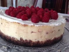 The ultimate cheesecake with raspberries