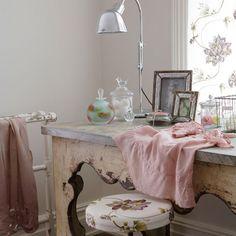 Wohnideen Arbeitszimmer Home Office Büro - Feminine Frisiertisch