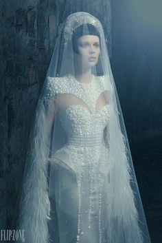 идея свадебное платье футуризм