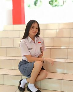 Girl in Uniform 😘 School Girl Dress, School Uniform Girls, Girls Uniforms, High School Girls, Girls Boarding Schools, Lily Chee, Vietnamese Dress, Indonesian Girls, Beauty Full Girl