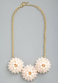Blushing Blossoms Necklace | Mod Retro Vintage Necklaces | ModCloth.com