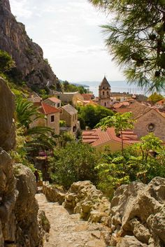 Omis Croatia, Beautiful World, Beautiful Places, Places To Travel, Places To Visit, Images Esthétiques, Croatia Travel, Italy Travel, Travel Aesthetic