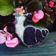 Я влюблена!!! Такая красавица!!! ❤️❤️❤️ I'm in love. It's so beautiful snail!!! 🔅🔅🔅 #улитка #брошь #брошьулитка #брошка #брошкаулитка #студиязефириной #украшения #брошьручнойработы #моднаяброшь #аксессуары #brooch #snail #cochlea #helix #snailbrooch #snailjewelry #uniquejewelry #luxuryjewelry #jewellery #handmadejewelry #unique #zefirinastudio #luxurylife #animalbrooch