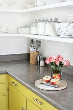 I really like the smooth rounding of the edge on this concrete counter. Not quite a bullnose...