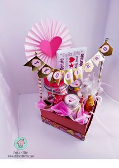 Creative Gifts, Cool Gifts, Diy Gifts, Bff Birthday Gift, Happy Birthday, Minnie Mouse Birthday Decorations, Bubble Balloons, Candy Gifts, Paper Decorations