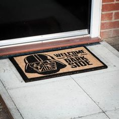 Wet, dry, cold, hot, light or dark(side) - this novelty Star Wars doormat is the perfect indoor or outdoor welcome to visitors. Star Wars Gadgets, Geek Gadgets, Good Birthday Presents, Star Wars Gifts, Original Gifts, Death Star, Gadget Gifts, Unusual Gifts, Star Fashion
