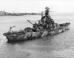 USS Indiana off Virginia, United States, 8 September 1942. Nice paint job.