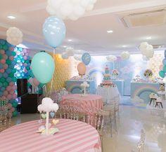 Boa tarde queridos, hoje não é quinta mas todo dia é dia de relembrar festas lindas que tiveram o Up! dos nossos balões com gás hélio! Decor por @lorisobral #senhoritalodecora #festachuvadeamor