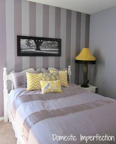 purple and yellow room - love the leg lamp!
