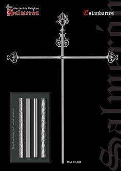 Estandartes metal, con cruceta y emblema. Acabado en latón, plata o en oro. Orfebrería, para cofradías y hermandades
