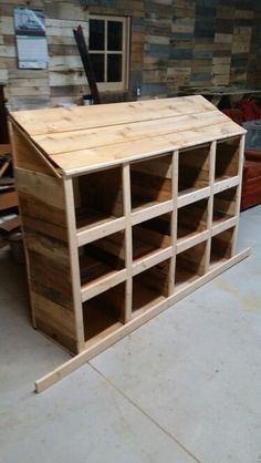 Another chicken boxes made, mostly out of recycled pallets, I added a cedar roof to this one, all that is left is adding the perches, I need to do this on site, due to it won't fit through the door of the coop if I add them now