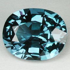 8.10 CTS. RARE AMEZING ALEXENDRITE COLOR CHANGE OVAL GEMSTONE