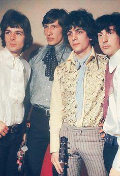 Roger Waters, Syd Barrett, Richard Wright, Nick Mason in Pink Floyd.