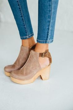 Amber Orchard Clogs in Taupe by Free People | Clad & Cloth Apparel #ClogsShoesOutfit