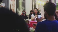 Flashmob operístico Música Maestro en Yves Rocher Galerías Coapa. Mezzosoprano: Ruth Escalona.