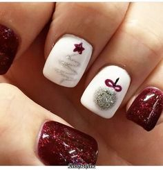 Christmas Nails That Boost Your Mood Winter nails. Fun designs for manicuresWinter nails. Fun designs for manicures Fancy Nails, Love Nails, How To Do Nails, Pretty Nails, Glittery Nails, Style Nails, Pretty Makeup, Holiday Nail Designs, Winter Nail Designs