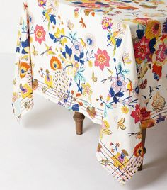 The Best Places to Shop for Table Linens Online via @domainehome