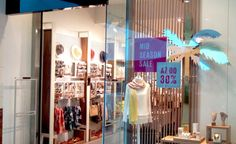 Spring/Summer 2017 season in visual merchandising is green – Design Retail Space Grafton Street, Retail Windows, Green Plants, Fall Season, Visual Merchandising, Pink Color, Light Up, Spring Summer, Colours