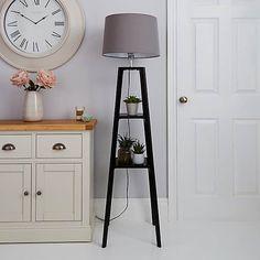 Diy Floor Lamp, Floor Lamp With Shelves, Wood Floor Lamp, Black Floor Lamp, Natural Floor Lamps, Natural Wood Flooring, Grey Flooring, Black Plant Stand, Shelving Design