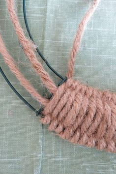 (c) Donna Herron 2020 6. Repeat Steps 3 through 5 to weave Twine Crafts, Rope Crafts, Wreath Crafts, Diy Wreath, Yarn Crafts, Diy Crafts, Wreath Ideas, Twine Wreath, Burlap Wreath Tutorial