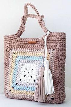 Ideas For Crochet Granny Square Bag Pattern Crochet Purse Patterns, Crochet Tote, Crochet Handbags, Crochet Purses, Crochet Gifts, Knitting Patterns, Crochet Granny, Scarf Crochet, Crochet Ideas