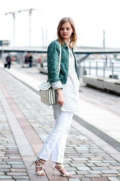 See By Chloe Jacket green, striped blouse, kickflared jeans white flared, white heels, bvlgari bag white - Hamburg, Streetstyle, Outfit, Blogger