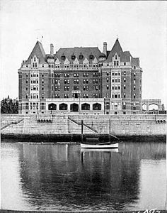 The Empress Hotel, Victoria, BC Designed by Francis Rattenbury. Most Haunted, Haunted Places, West Coast Canada, Victoria Vancouver Island, Victoria British Columbia, Canada 150, Grand Hotel, Old Pictures, Historical Photos