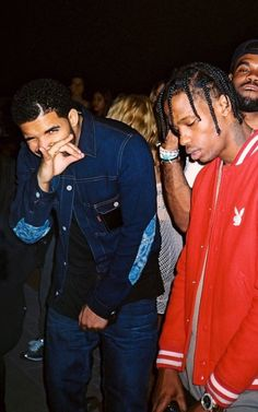 Love this picture of Drake and Travis Scott Drake Travis Scott, Aubrey Drake, Old Drake, Drake Ovo, Drake Wallpapers, Travis Scott Wallpapers, Hiphop, Kylie Jenner, Drake Drizzy