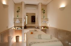 Sala de masajes de Fuerte Miramar | Massage room | #Spain #holiday